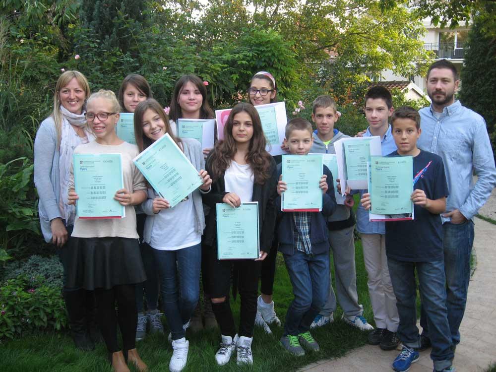 Mladji-djaci-dodela-diploma